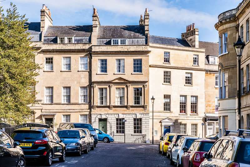 4 Bedrooms Town House for sale in St James's Square, Bath, BA1