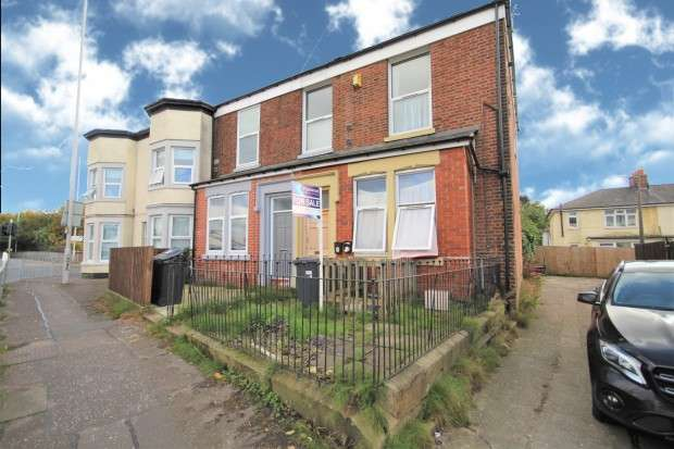 3 Bedrooms Block Of Apartments Flat for sale in Marsh Lane, Preston, PR1