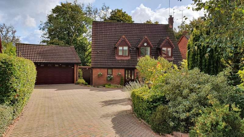 4 Bedrooms Detached House for sale in Grange Park Road, Bolton, Greater Manchester, BL7