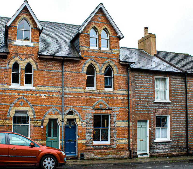 3 Bedrooms Town House for sale in South Street, Lewes