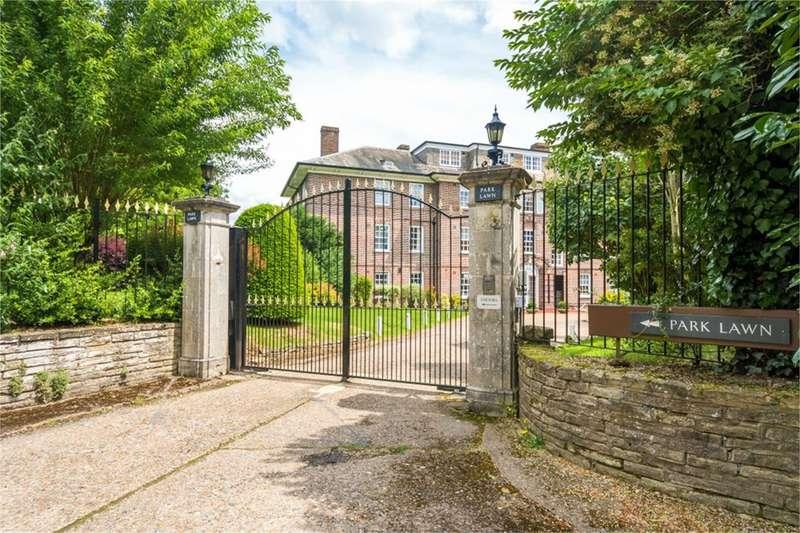 3 Bedrooms Apartment Flat for rent in Park Lawn, Farnham Royal, SL2