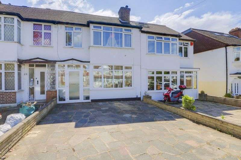 3 Bedrooms Property for sale in Chertsey Drive, Sutton. SM3 9UL