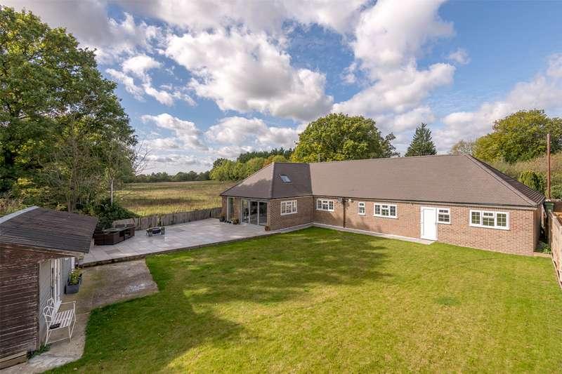 4 Bedrooms Detached Bungalow for sale in Sideways Lane, Hookwood, Surrey, RH6