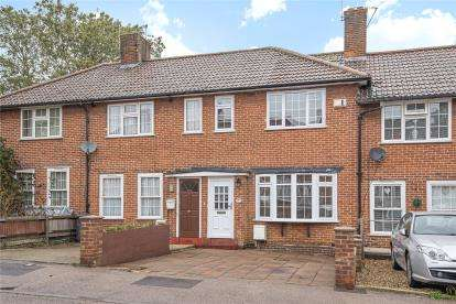 3 Bedrooms Terraced House for sale in Chilham Road, London