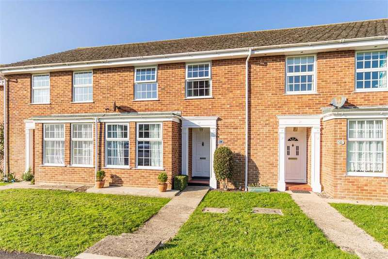 3 Bedrooms Terraced House for sale in Barton On Sea New Milton