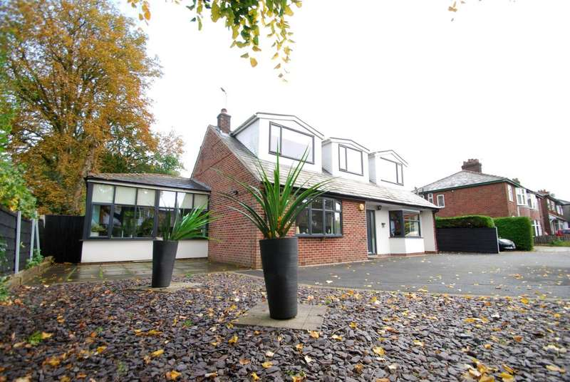 4 Bedrooms Detached House for sale in Bury Road, Tottington