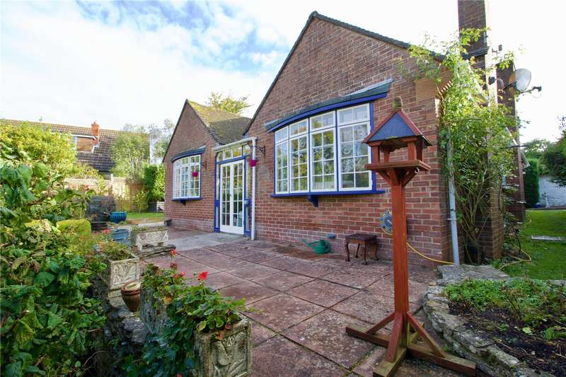 3 Bedrooms Detached Bungalow for sale in New Valley Road, Milford On Sea, Lymington, Hampshire, SO41