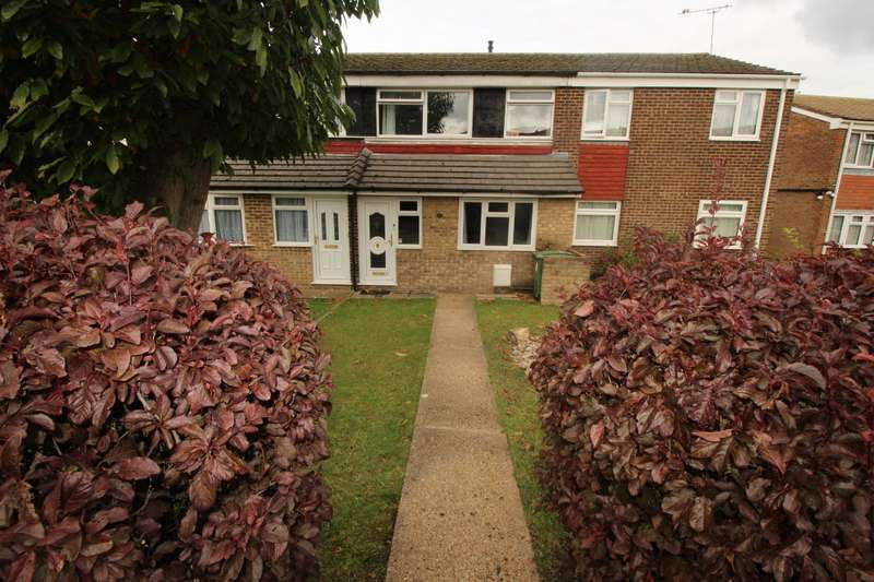 3 Bedrooms House for sale in Pinewood Drive, Chatham, Kent, ME5