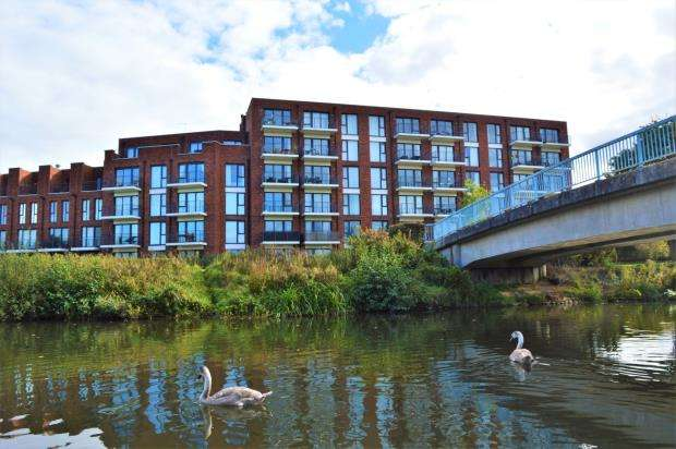 2 Bedrooms Apartment Flat for sale in Waters Edge, Youngman Place, Taunton, Somerset