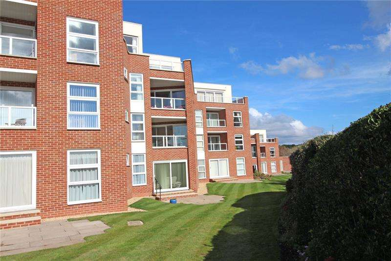3 Bedrooms Apartment Flat for sale in Camden Hurst, Milford on Sea, Lymington, SO41