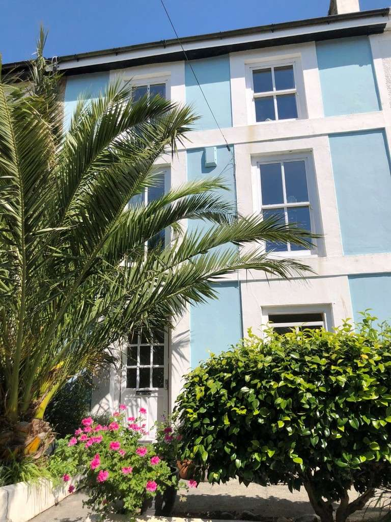 4 Bedrooms Terraced House for sale in Pendre, 13 Morrab Place