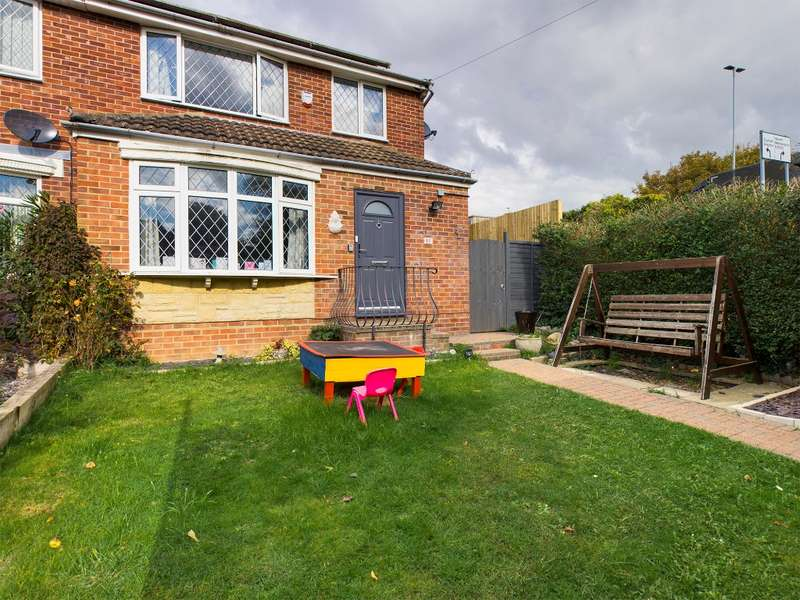 3 Bedrooms Semi Detached House for sale in King Arthurs Court, Drayton, Portsmouth, PO6 1NU