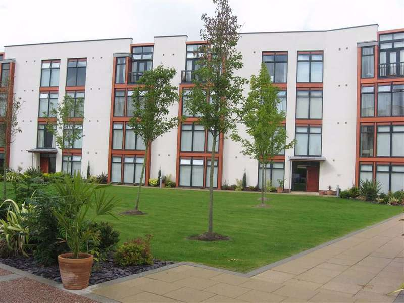 2 Bedrooms Flat for rent in Acorn House, Sharston