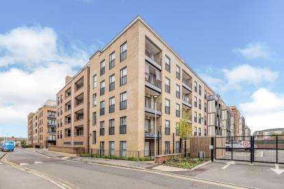 1 Bedroom Flat for sale in Maxwell Road, Romford, Havering