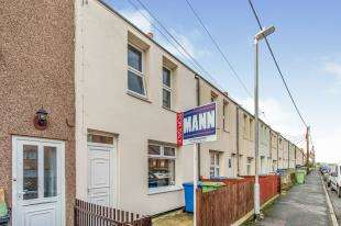 3 Bedrooms Terraced House for sale in First Avenue, Queenborough, Isle Of Sheppey, Kent
