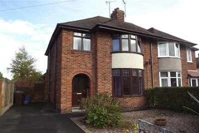 3 Bedrooms Semi Detached House for rent in York Road ST17
