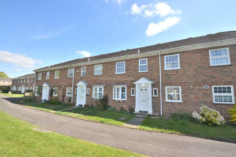 5 Bedrooms Terraced House for rent in Benyon Court, Bath Road