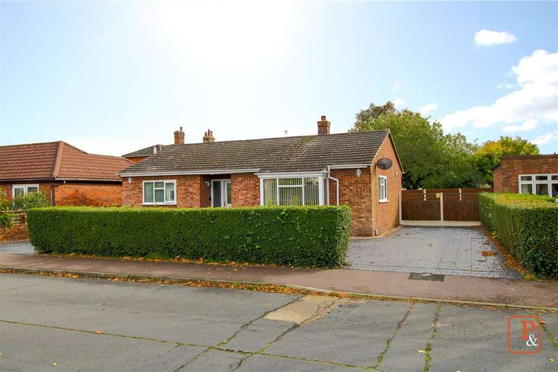 2 Bedrooms Detached Bungalow for sale in Baden Powell Drive, Prettygate, Colchester CO3