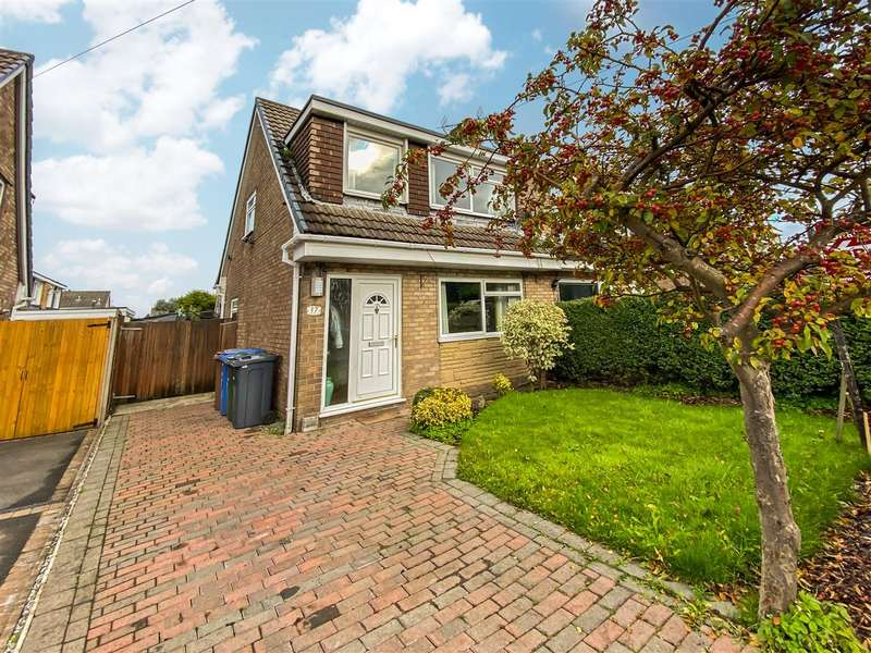 3 Bedrooms Semi Detached House for sale in Hunters Road, Clayton Le Woods