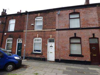 3 Bedrooms Terraced House for sale in Duckworth Street, Chesham, Bury, Greater Manchester, BL9