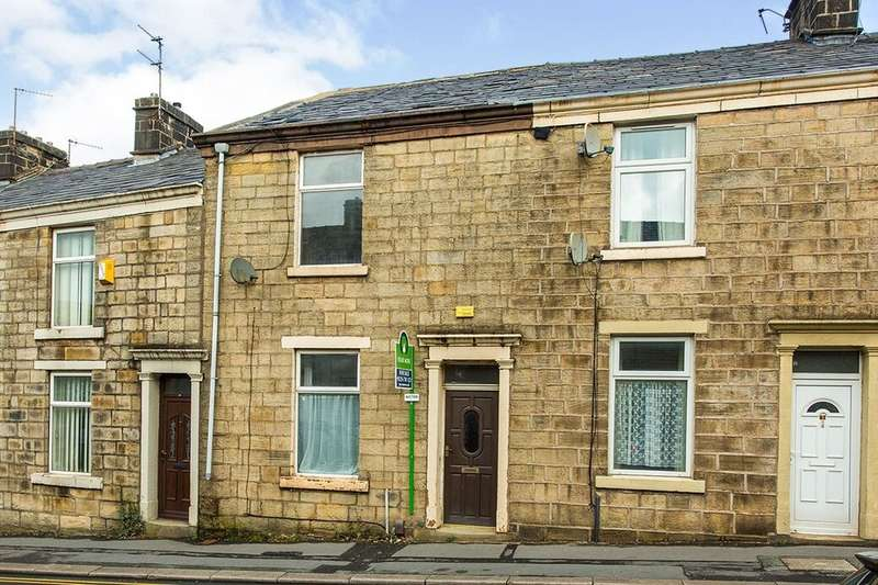 3 Bedrooms Property for sale in Redearth Road, Darwen, BB3