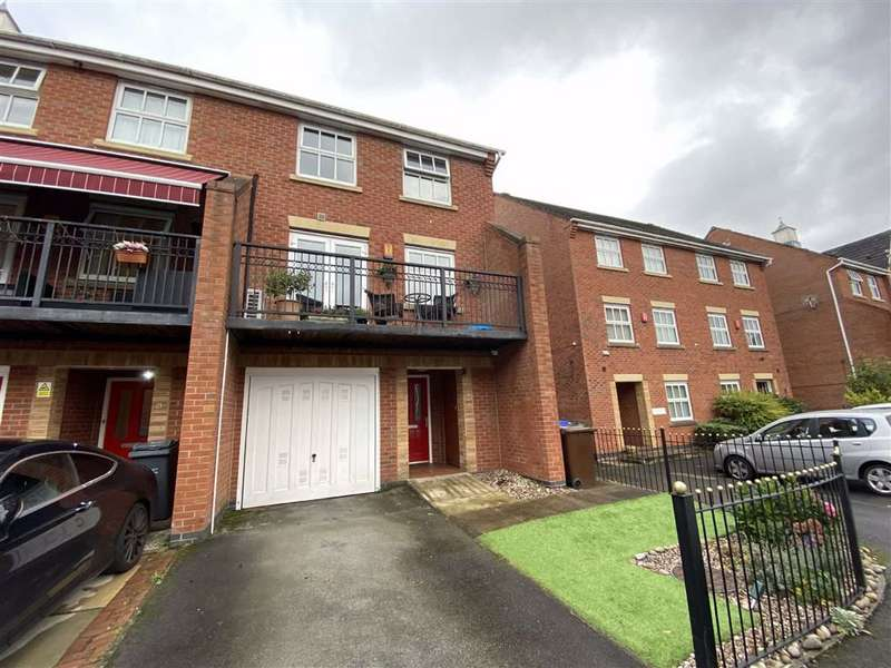 4 Bedrooms Semi Detached House for sale in Holden Avenue, Whalley Range