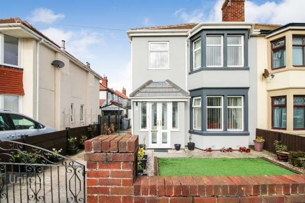3 Bedrooms Semi Detached House for sale in Conway Avenue, Thornton-Cleveleys, FY5