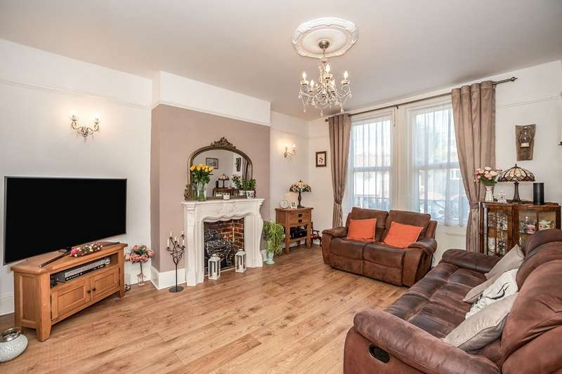 4 Bedrooms Apartment Flat for sale in Marischal Road, London, SE13