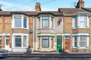 2 Bedrooms Terraced House for sale in Alexandra Road, Sheerness, Kent