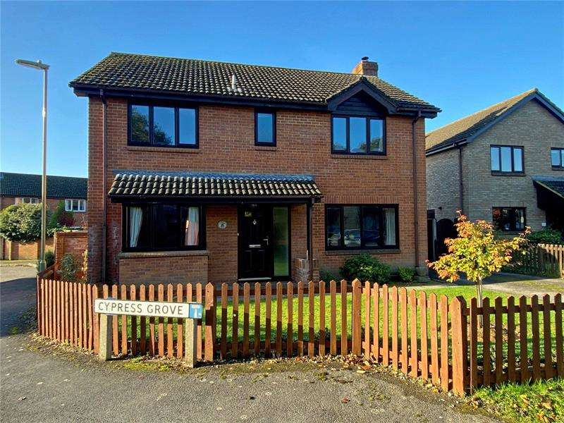 4 Bedrooms Detached House for sale in Cypress Grove, Everton, Lymington, SO41