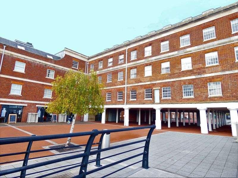 2 Bedrooms Property for sale in Weevil Lane, Gosport