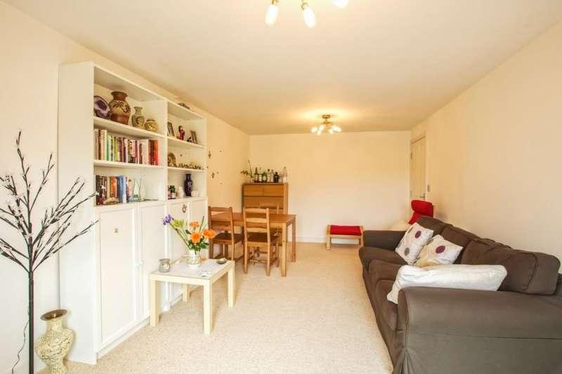 2 Bedrooms Apartment Flat for sale in Fareham Close, Walton-le-Dale, Preston, PR5