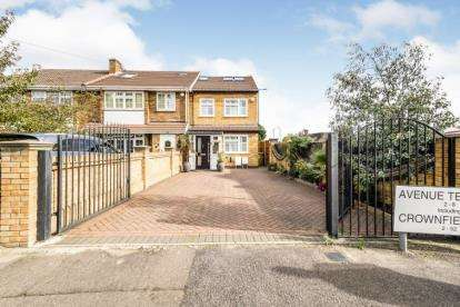 4 Bedrooms End Of Terrace House for sale in Crownfield Avenue, Newbury Park