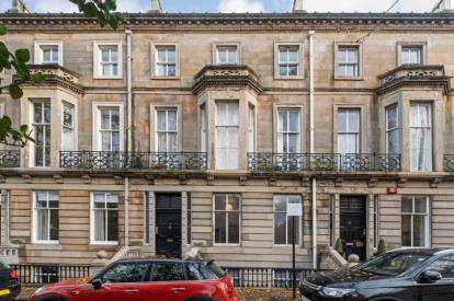 2 Bedrooms Flat for sale in Buckingham Terrace, Botanics