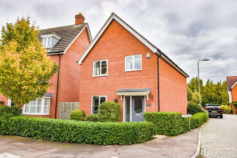 4 Bedrooms Detached House for sale in Gaynsford Place, Little Canfield, Dunmow