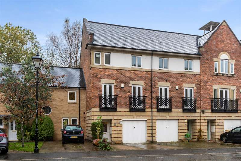 3 Bedrooms End Of Terrace House for sale in Threadfold Way, Eagley, Bolton