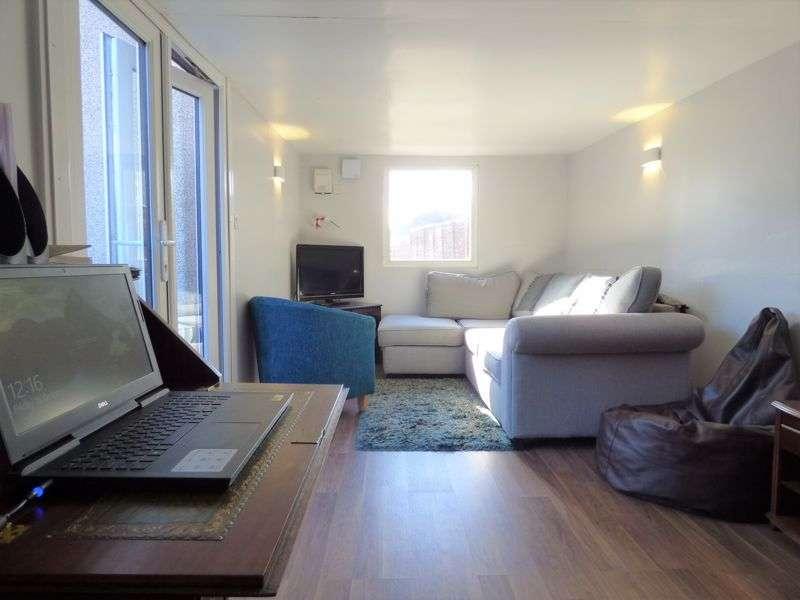 3 Bedrooms Property for sale in Ingleborough Road, Lancaster