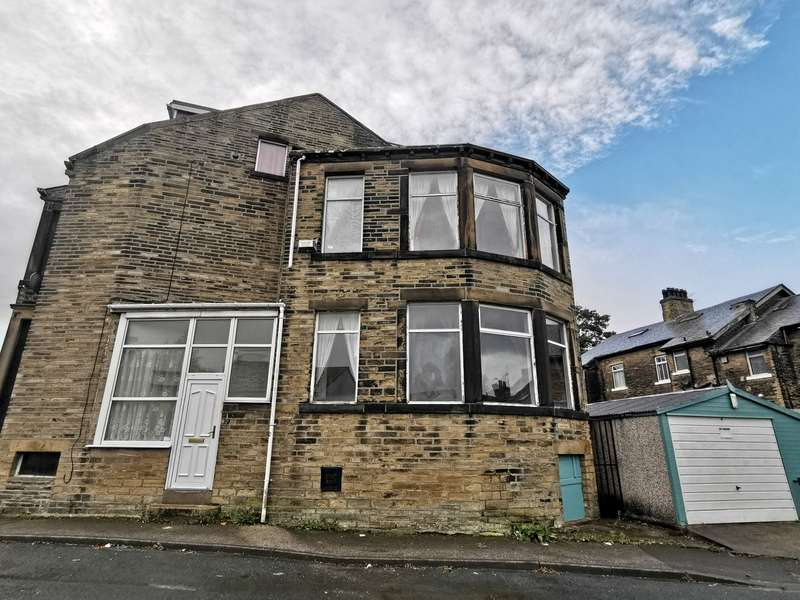 4 Bedrooms End Of Terrace House for rent in Lavinia Terrace, Bradford, BD14