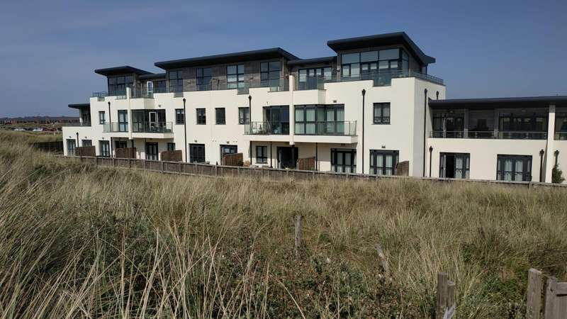 2 Bedrooms Apartment Flat for sale in Dune Point, 606 Clifton Drive North, St Annes