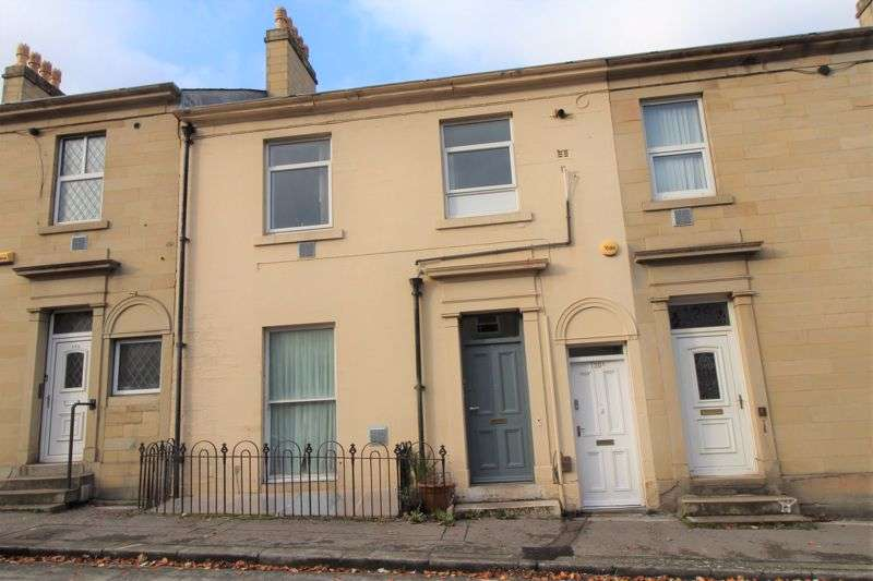 3 Bedrooms Property for rent in Fitzwilliam Street, Huddersfield, HD1