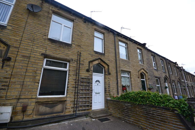 2 Bedrooms Terraced House for rent in Woodhead Road, Lockwood
