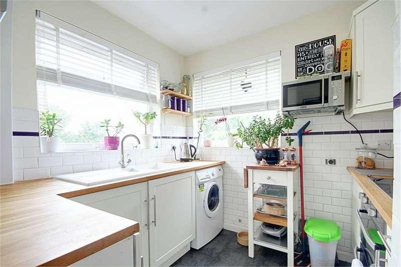 4 Bedrooms Maisonette Flat for rent in Bridgenhall Road, Enfield, Middlesex, EN1