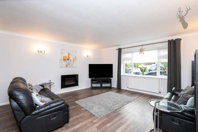 5 Bedrooms Detached House for sale in Coppice Row, Theydon Bois, Epping