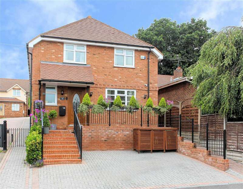 3 Bedrooms Detached House for sale in Sunnyside Road, Epping