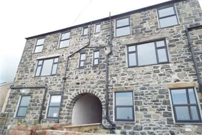 2 Bedrooms Flat for rent in London House, Penmaenmawr, LL34 6NF