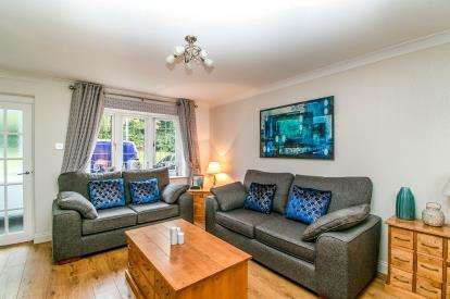 4 Bedrooms End Of Terrace House for sale in Badgers Dene, Grays, Essex
