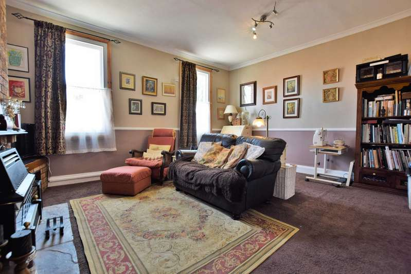 2 Bedrooms House for sale in Upgate, Louth, Lincolnshire, LN11