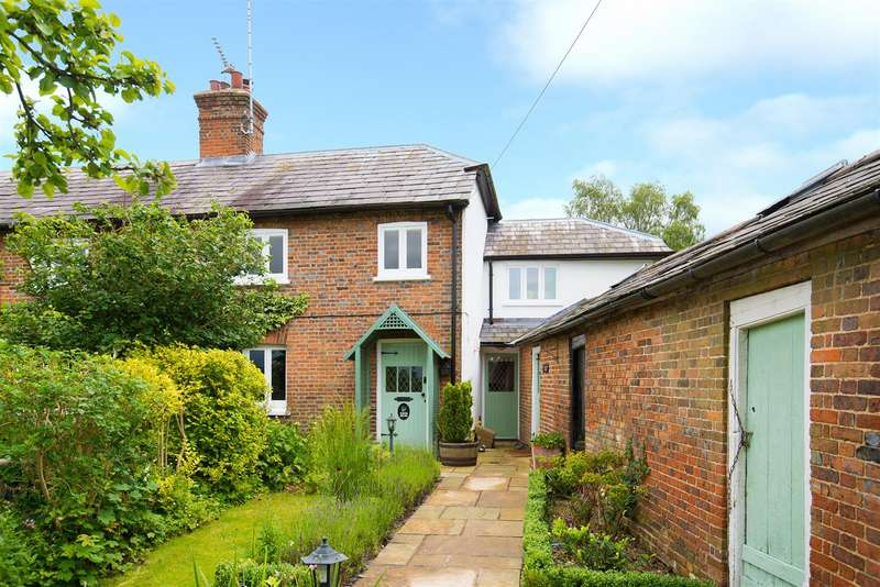 3 Bedrooms Semi Detached House for sale in Stocks Road, Aldbury, Tring