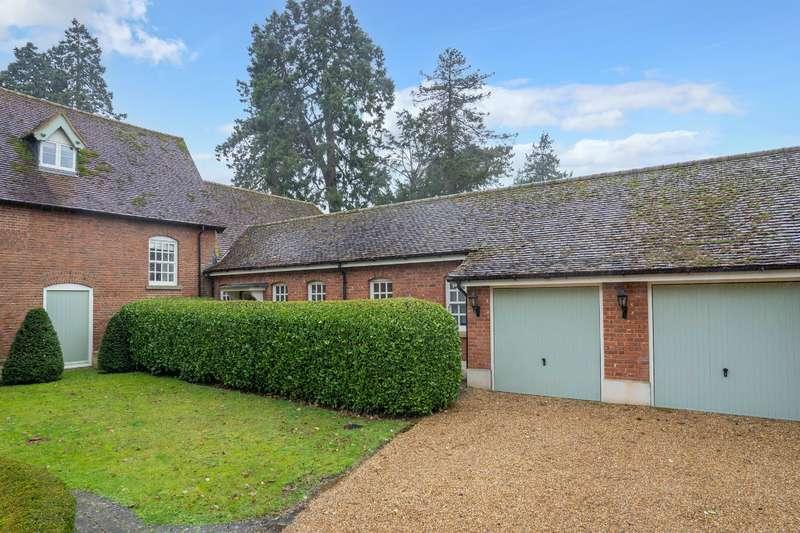3 Bedrooms Detached House for rent in Hassobury, Hazel End, Farnham, Bishops Stortford, Herts