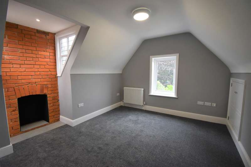 1 Bedroom House Share for rent in Bath Road, Reading, RG1 6HN